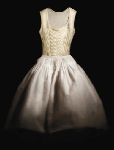Repetto dévoile sa première garde-robe:danseuse de la tête aux pieds