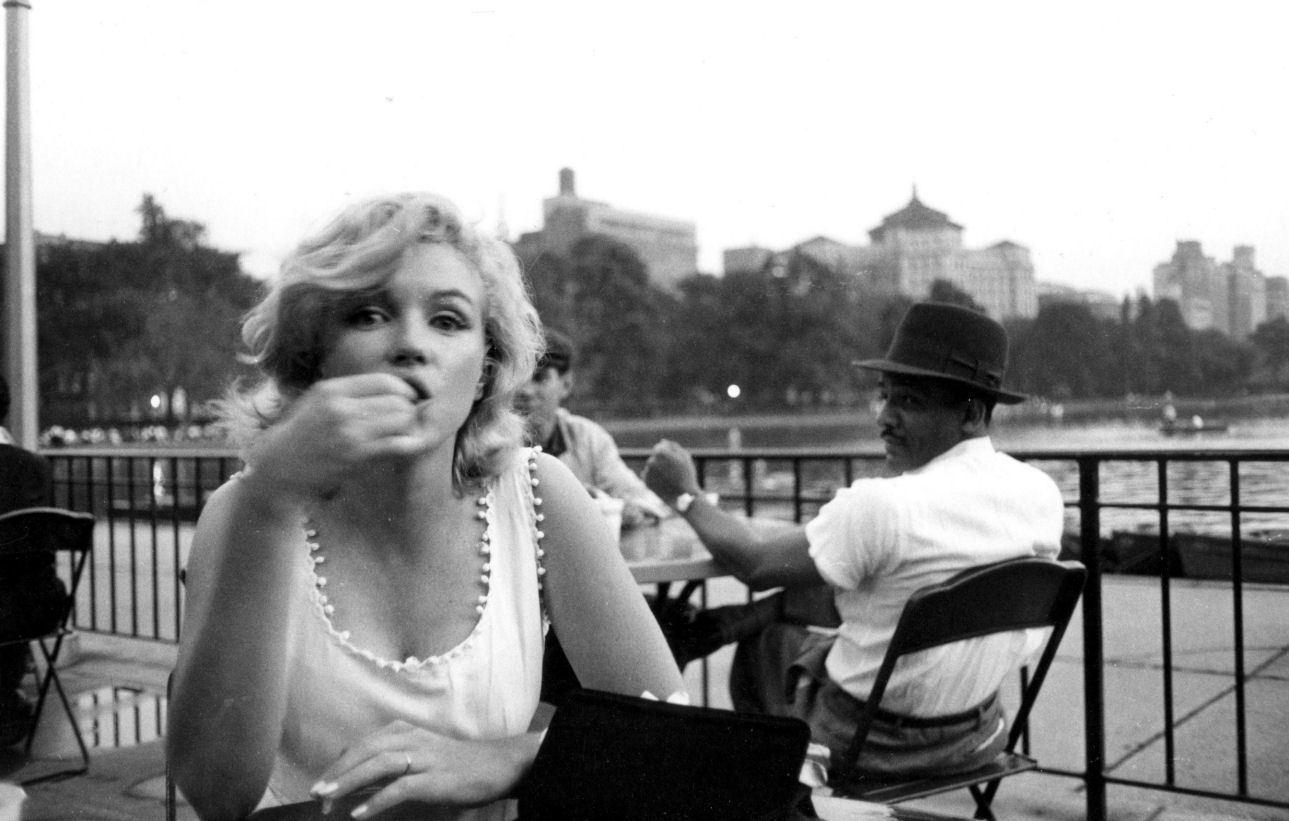 1289 × 821 - Marilyn in Central Park, New York By Sam Shaw 1957