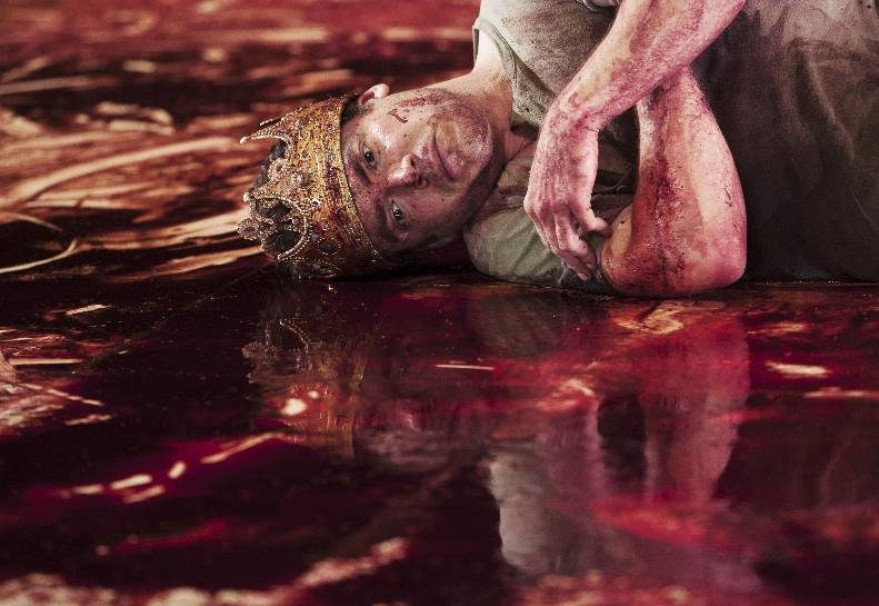 Macbeth sanglant par Johan Simons