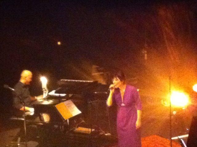[Live-Report]: Daphné s'empare vraiment du répertoire de Barbara au Café de la Danse (17/12/2013)