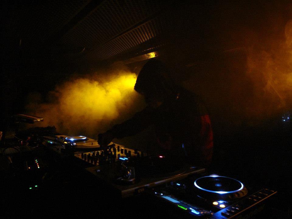 Une face B nocturne : « Être DJ à Paris… L'envers du décor. »