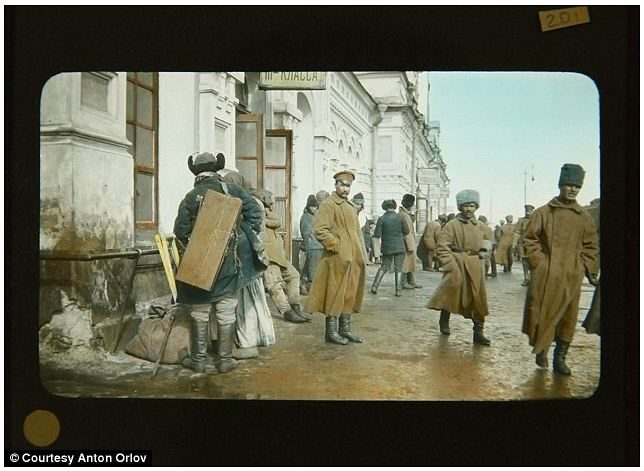 La Révolution russe de 1917 prend des couleurs