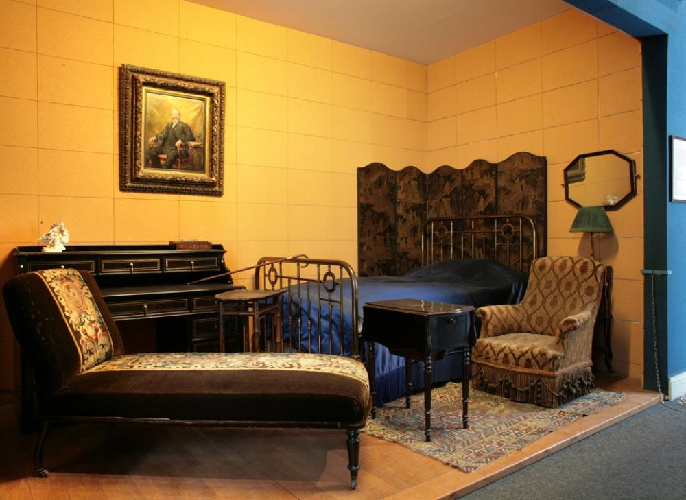 Chambre de Marcel Proust . Marcel Proust. Copyright © DAC / L. Degrâces-Khoshpanjeh, R. Briand