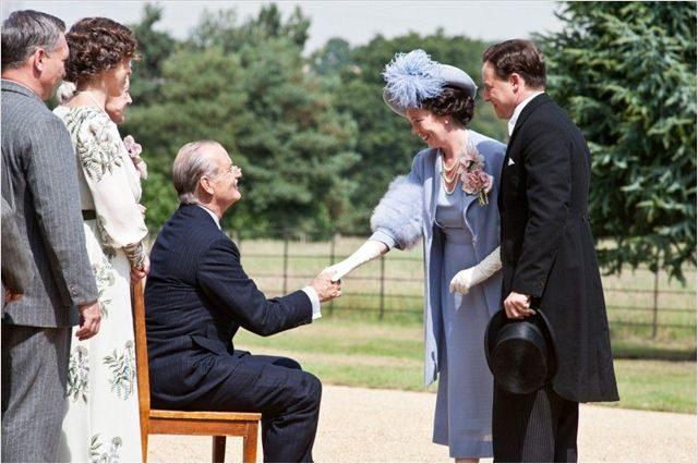Week-end royal un film politique léger comme une bulle de champagne