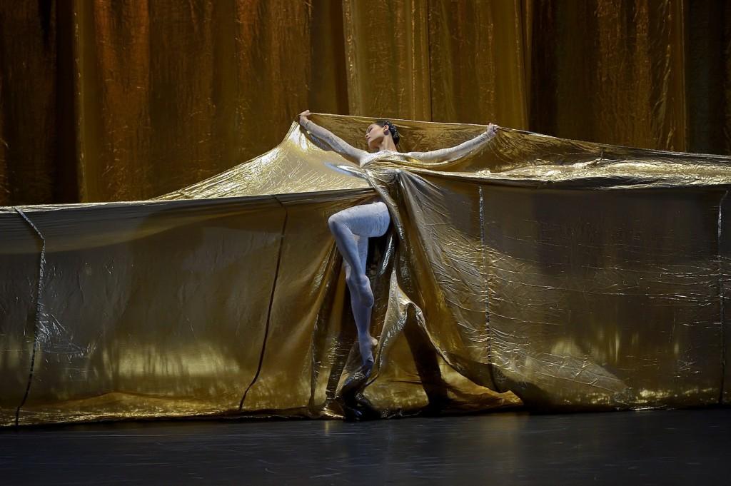 <em></noscript>Kaguyahime</em> de Jiri Kylian : sensualité lunaire à l'Opéra Garnier