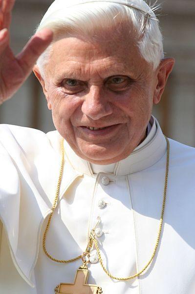 «Coup de tonnerre dans un ciel serein». Benoît XVI annonce sa démission de la fonction papale