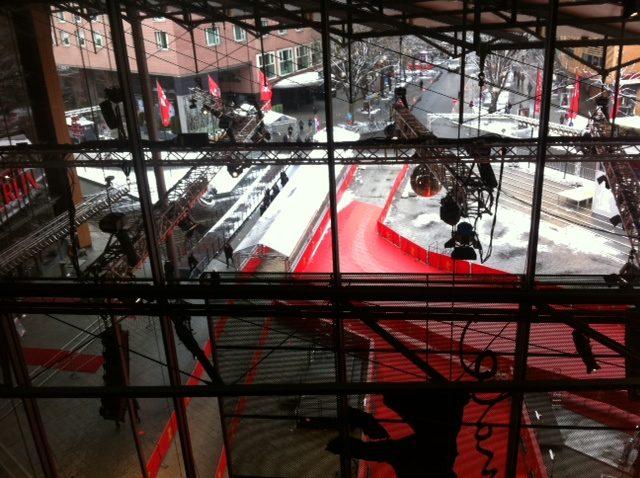 Berlinale, jour 2 : James Franco, Amanda Seyfried, Hugh Jackman, Russell Crowe et Shia Laboeuf sur le Tapis Rouge