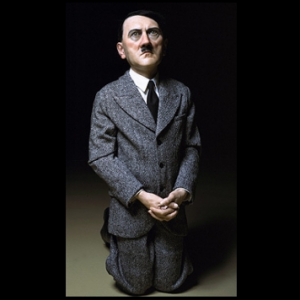 Statue d'Hitler à Varsovie : la polémique se poursuit