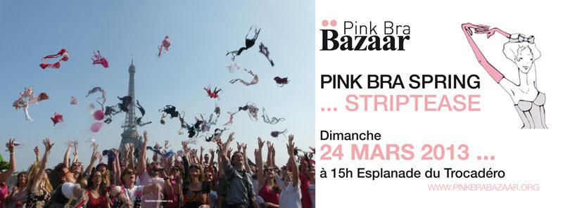 Striptease géant au Trocadéro contre le cancer du sein !