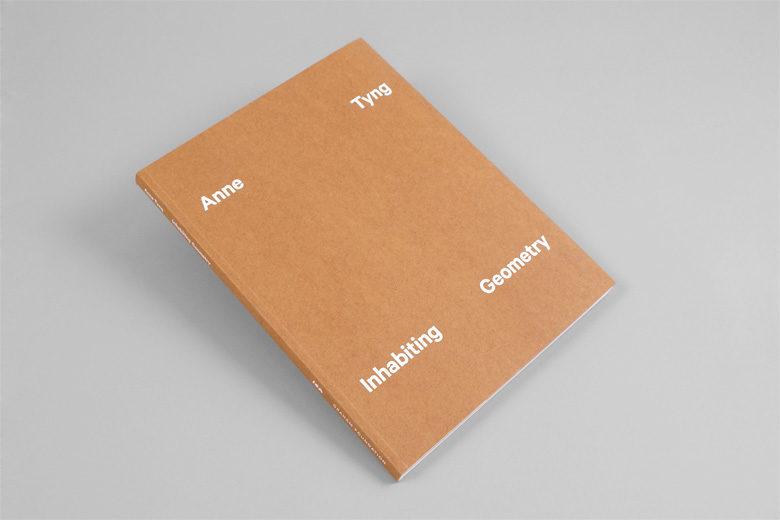 Inhabiting Geometry, un livre qui revient sur le travail de l'architecte Anne Tyng