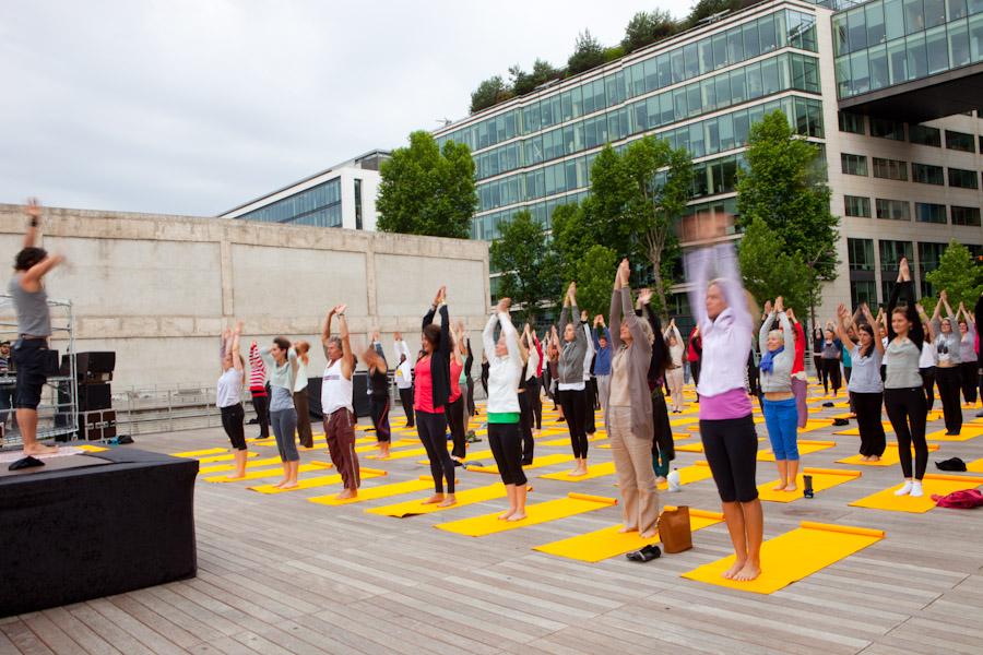 yoga lolë au wanderlust