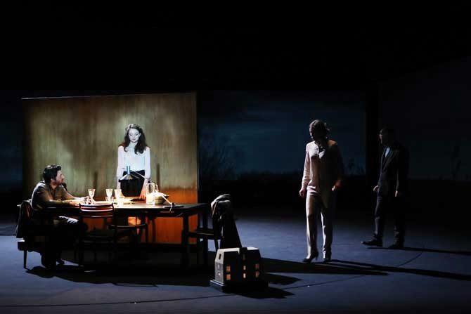 Les Revenants sombrement mis en scène par Thomas Ostermeier
