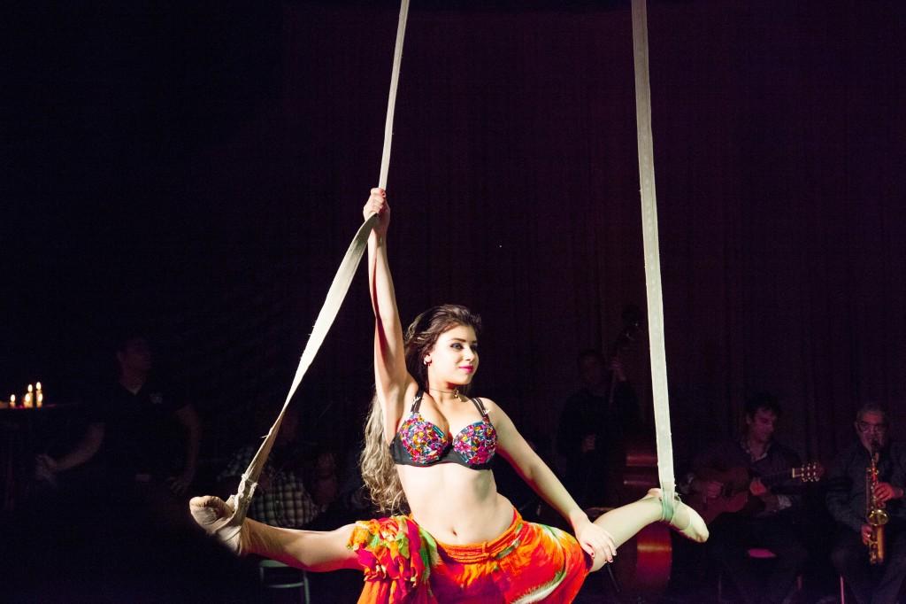 Voleurs de poules et flamenca ! Romanès cirque Tzigane rend libre.