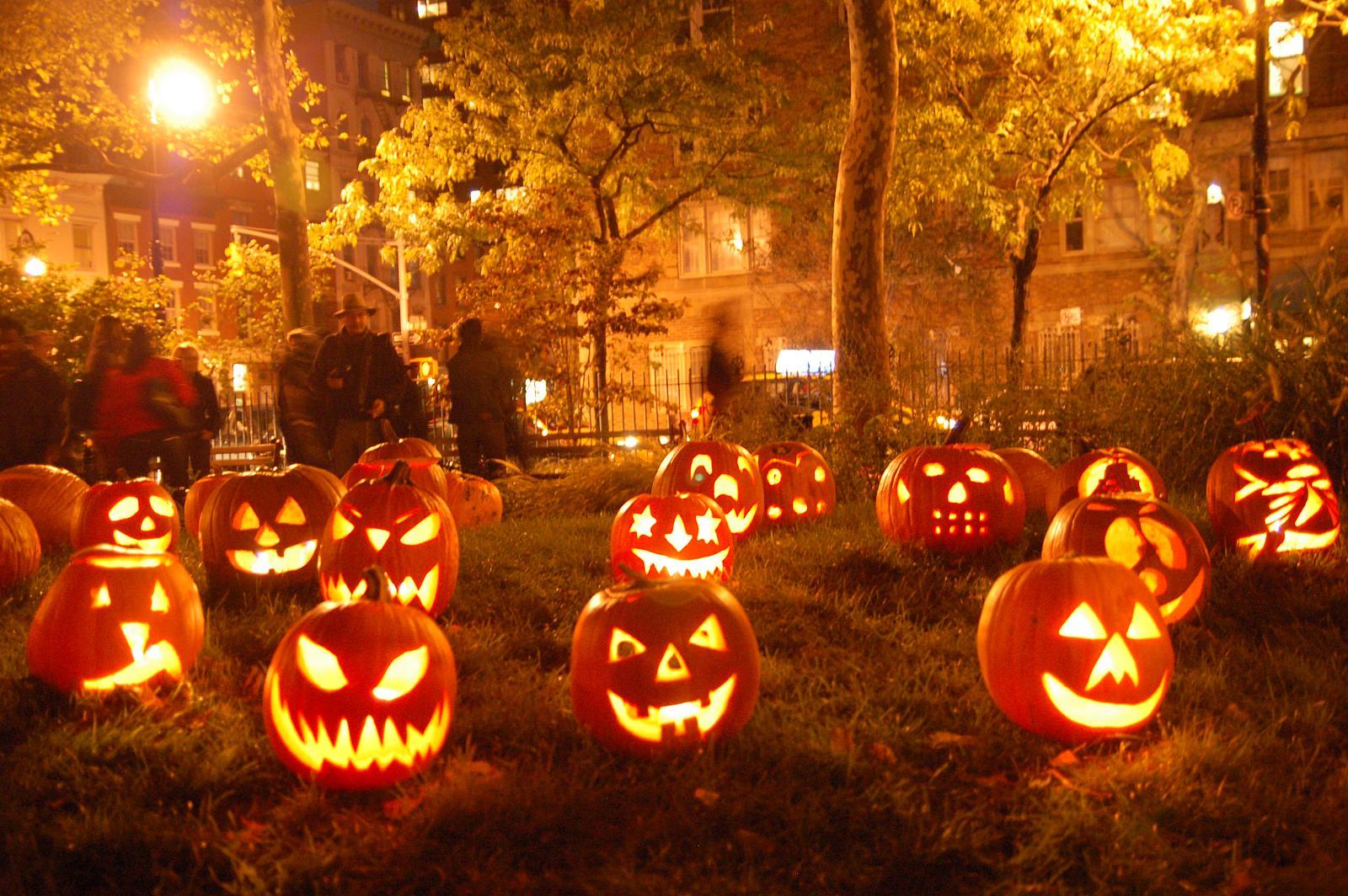 http://toutelaculture.com/wp-content/uploads/2013/10/halloween+picture.jpg