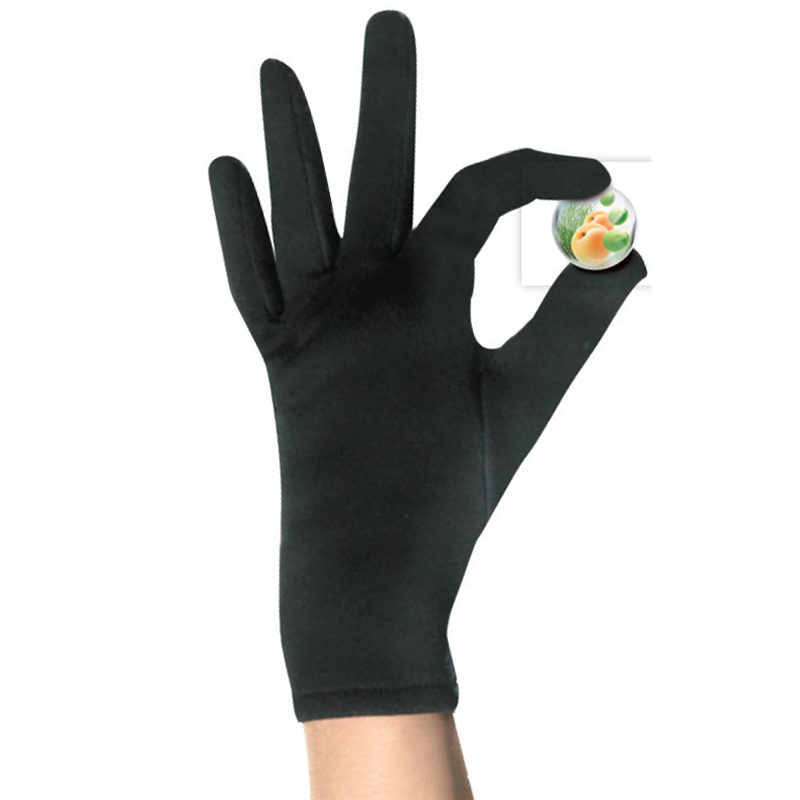 Caresses de gants