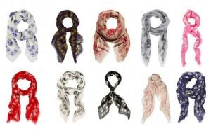 le-foulard-tete-de-mort-est-un-best-des-collections