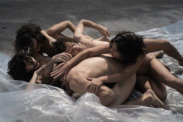 Les corps nus et cahotés des naufragés du beau « Pindorama » de Lia Rodrigues
