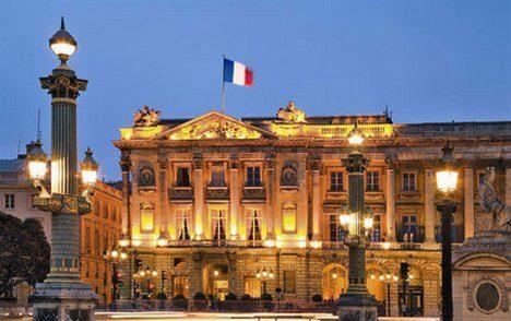 Lagerfeld collabore à la restauration de l'Hôtel du Crillon