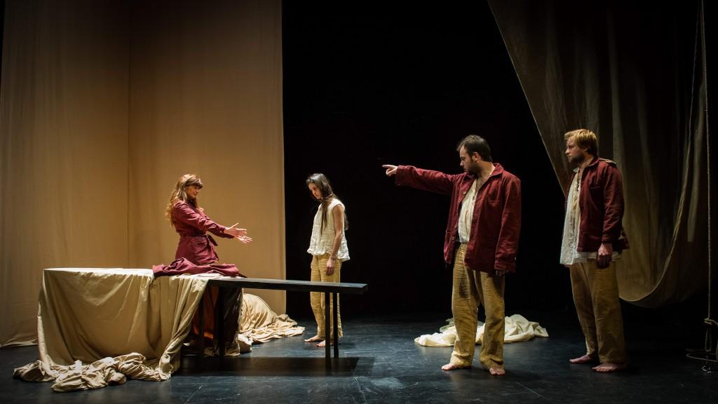 « L'île des esclaves » de Marivaux au Studio-Théâtre : Incroyable Arlequin !