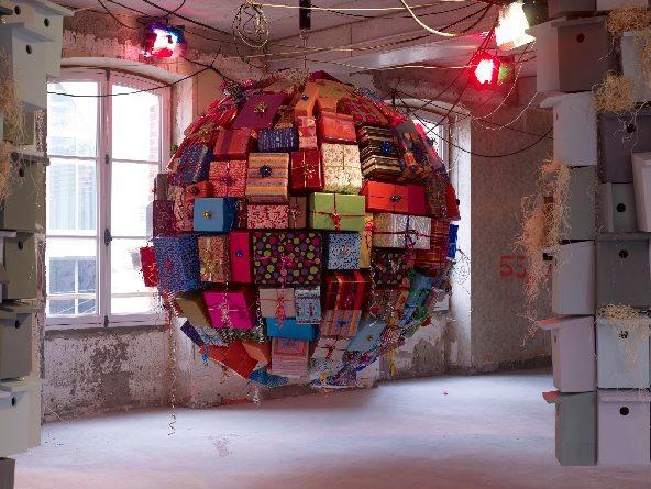 Avec motifs apparents au Centquatre Paris: 5 artistes à la conquête de l'audace