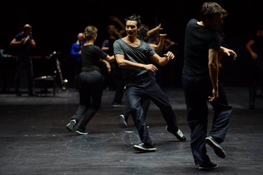 «Vortex Temporum» : Anne Teresa de Keersmaeker livre une danse possédée