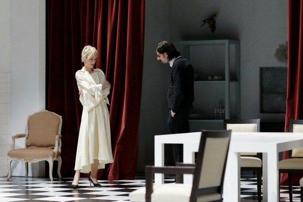 De Vienne à Paris, l'étrange Tartuffe de Luc Bondy s'installe à l'Odéon