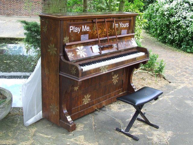 Play Me I'm Yours revient à Paris pour un mois !