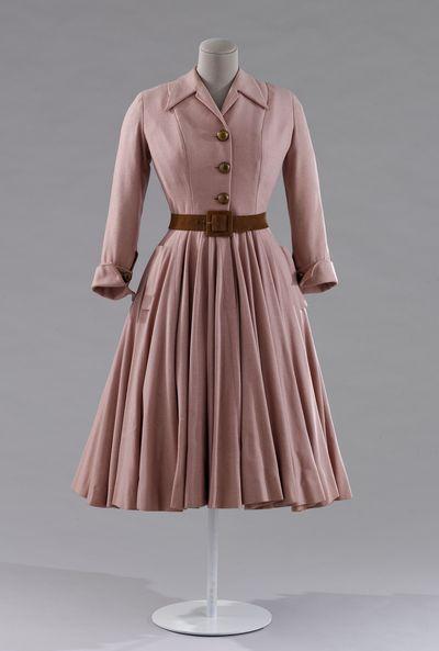 La mode en france 1947-1957) – une décennie pour faire rêver la