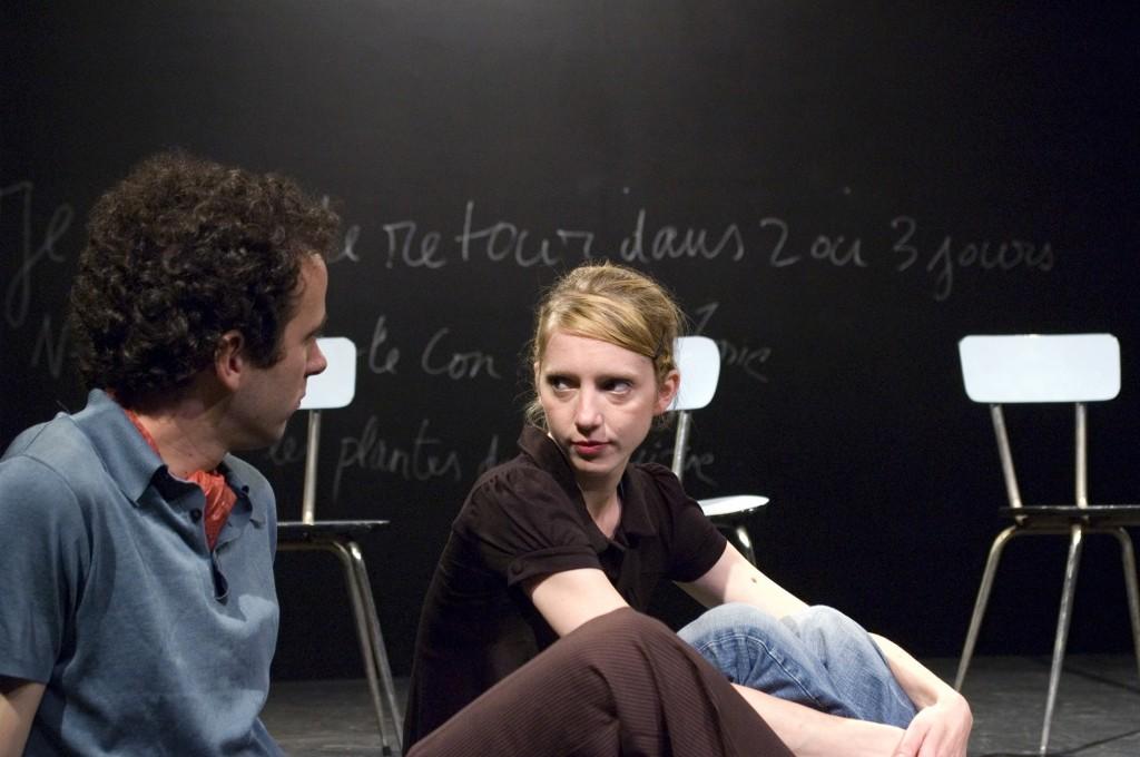[Avignon Off] « Je me mets au milieu mais laissez-moi dormir » : caustique adaptation de La Maman et la Putain