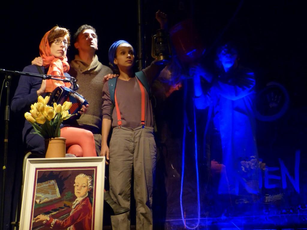 [Avignon Off] « Filiations » tisse le fil familial des douleurs coloniales