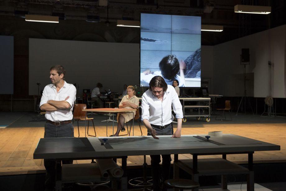 [Festival d'Avignon] « The Fountainhead » : Ivo Van Hove architecte d'un grand spectacle