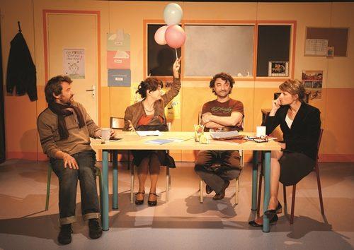 « La Maîtresse en Maillot de Bain » au Café de la Gare