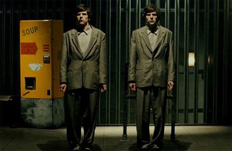 [Critique] « The Double » : Jesse Eisenberg en personnage dostoïevskien