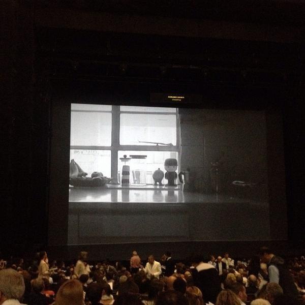 Un Tour du «Monde» scénographié par Robert Carsen à l'Opéra Bastille
