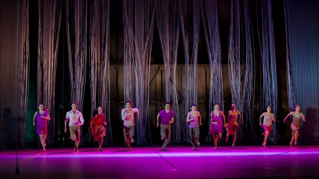 La « Rain » lumineuse d'Anne Teresa De Keersmaeker reçue en triomphe à l'Opéra de Paris