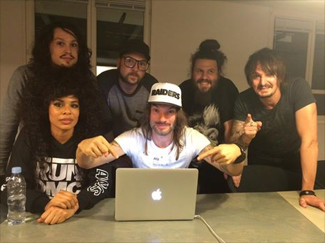 In Bus With Shaka Ponk : la tournée continue chez Deezer !