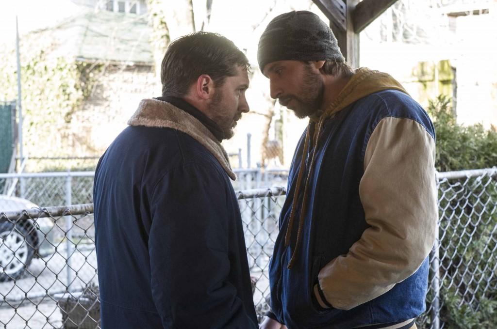 «Quand vient la nuit», Tom Hardy et Matthias Schoenaerts jouent aux durs dans un film entre chien et loup