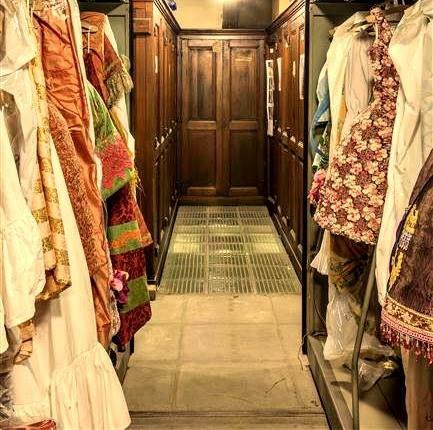 [Interview] Tricentenaire de l'Opéra Comique : Rencontres autour de la vente des costumes