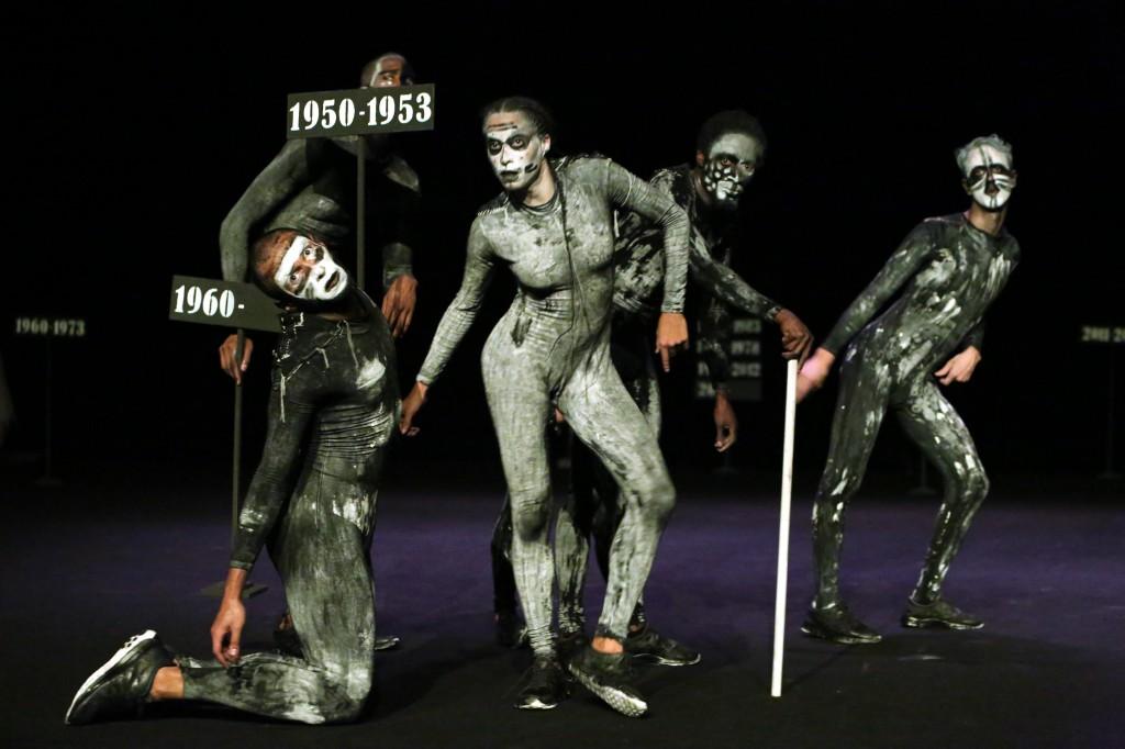 «Monument 0 : Hanté par la guerre (1913-2013)», la danse macabre d'Eszter Salamon