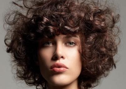 Cheveux : La boucle est une teigne…Domptez-la !