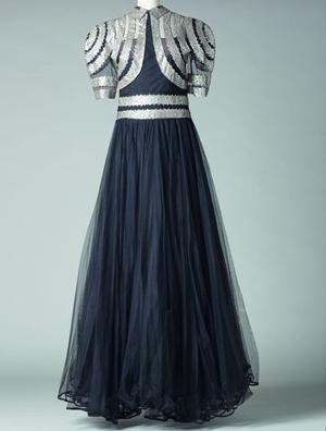 « Scintillante », robe, été 1939 Tulle, crêpe broderies de paillettes. Collection Palais Galliera - Crédit Katerina Jebb 2014