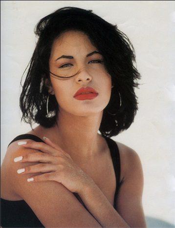 La chanteuse Selena inspire M.A.C pour une nouvelle collection