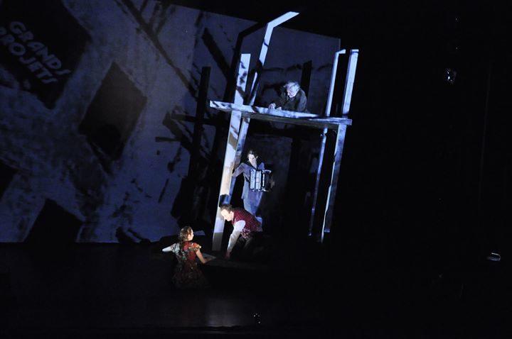[Avignon Off] L'homme dans le plafond captive à la Présence Pasteur