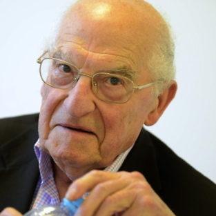 Michel Corvin, spécialiste du théâtre du XXème siècle, est décédé