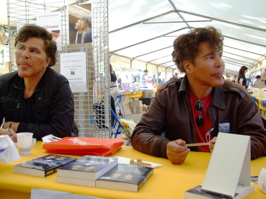 Les frères Bogdanov attaquent de nouveau le CNRS