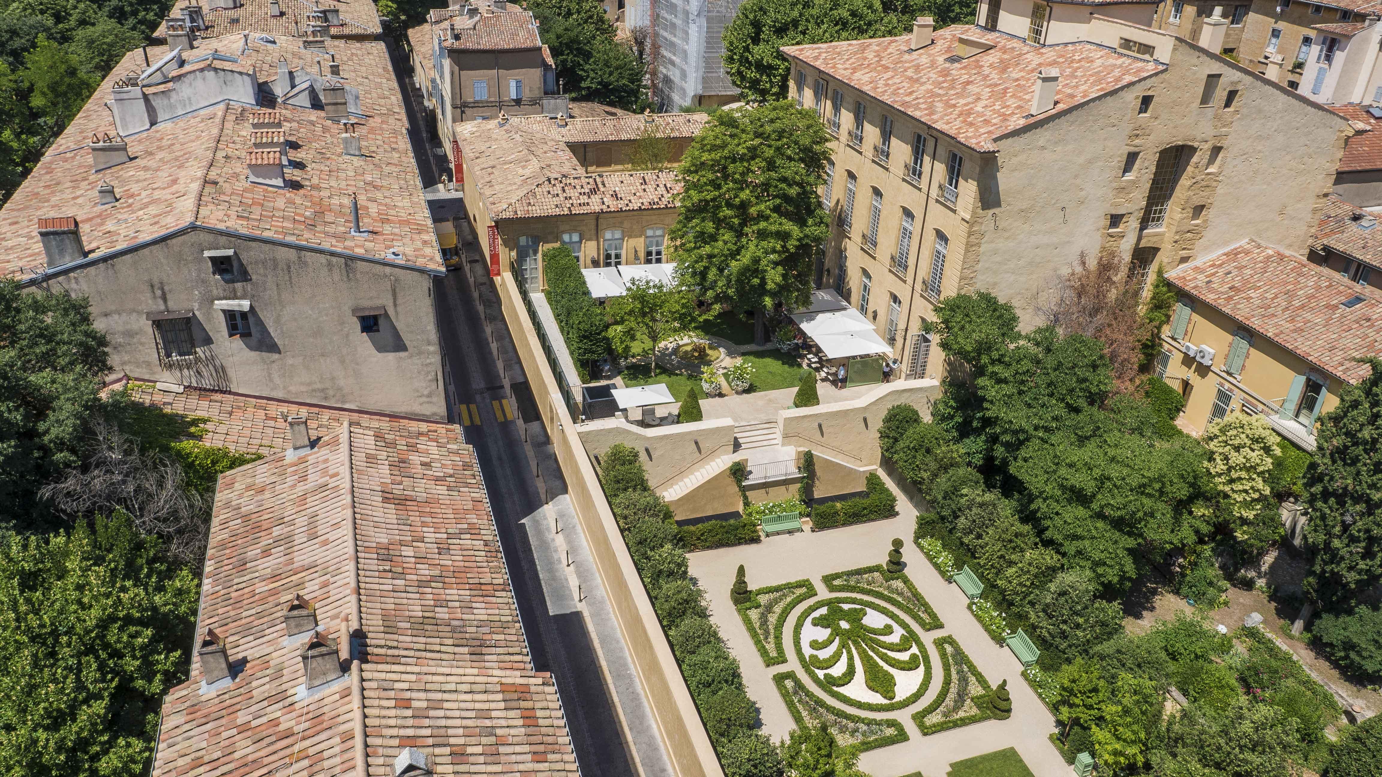 Caumont centre d 39 art questions christophe aubas - Hotel de caumont aix en provence ...