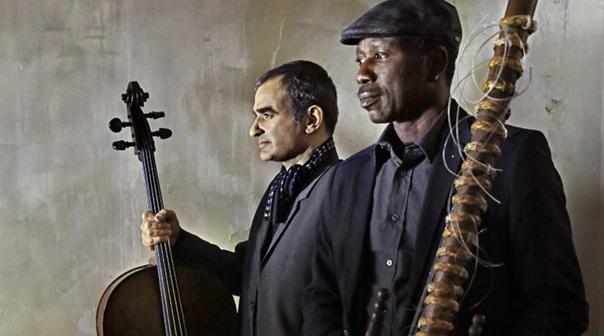 [Live Report] Ballake Sissoko & Vincent Segal : conversation de cordes et de cultures