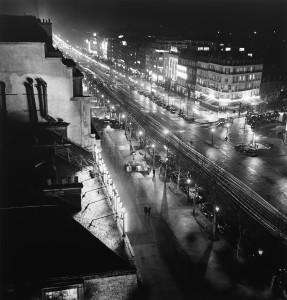 Les Champs-Elysées- Roger Schall, 1935  Courtesy Galerie Argentic