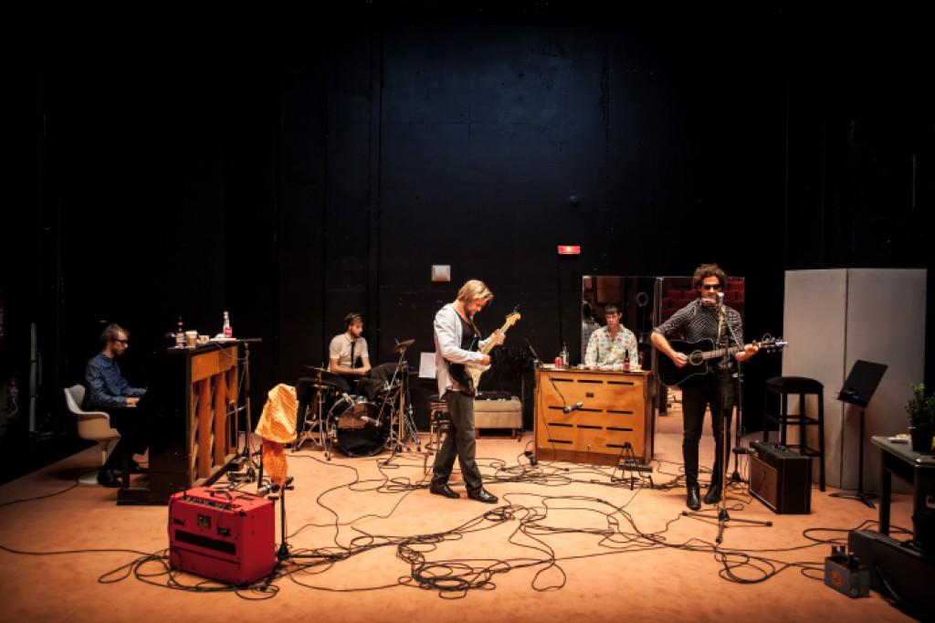 Sébastien Pouderoux est Bob Dylan au Français