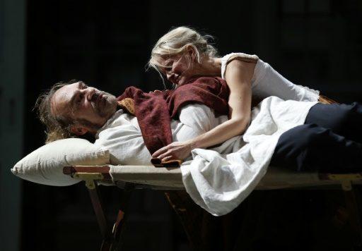 « Père » : un Strindberg lacrymal et corseté par Arnaud Desplechin